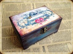 Personalized box. Wooden jewelry box, Elegant gift. decoupage box, shabby chic box, roses decoration, handmade, artificially aged