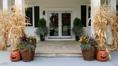 fall decor ideas for the porch Learn how to create a cottage garden in a weekend with the DIY Network pros. Porch Plants, Small Potted Plants, Tall Plants, Foliage Plants, Shade Flowers, Lavender Flowers, Ornamental Kale, Pumpkin Planter, Hydrangea Not Blooming