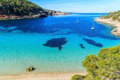Das sind die schönsten Strände auf Ibiza | Urlaubsguru Destinations, Destination Voyage, Water, Travel, Outdoor, Holidays, Nice Beach, Beach Homes, Cabin