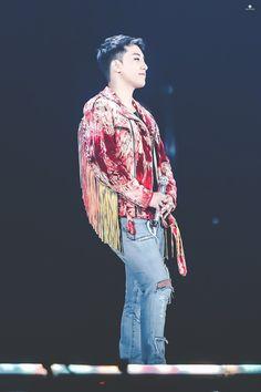 Bigbang Live, Ruffle Blouse, Tops, Women, Fashion, Moda, Fashion Styles, Fashion Illustrations, Woman