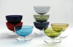 """Saara Hopea: """"Jäätelömalja"""", (Ice Cream bowl). Nuutajärvi, 1952."""