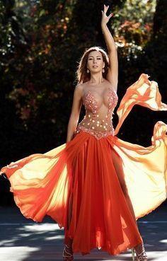 Model Escorts in Dubai Dubai Model Escorts Belly Dancer Costumes, Belly Dancers, Dance Costumes, Dance Outfits, Dance Dresses, Dance Oriental, Belly Dance Outfit, Tribal Belly Dance, Dance Poses
