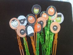 Food sticks customized with tags