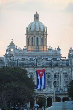 Museum of the Revolution, Havana 10Jan09, via Flickr.