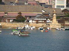 Tomo-no-Ura (kamoda) Tags: sea japan fishing village hiroshima tradition inland tomo 2007 setonaikai fukuyama machinami tomonoura