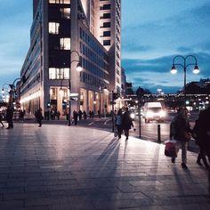 Dämmerung in Berlin #gewinnspielthemetro_lichtschatten #berlin #iphone5 #light