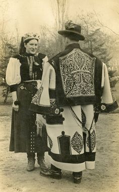 Grab your Discounted Cross Stitch Full Range Embroidery Starter Kit! Specification: size Embroidery Premium Set: Full range of embroidery starter kit with all the tools you need to embroider; Hungarian Embroidery, Folk Embroidery, Embroidery Stitches, Folk Costume, Costumes, Folk Dance, Budapest, Historical Clothing, Traditional Outfits