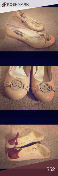 Michael Kors Cream Leather Shoes Silver Logo Size6 Size 6! Wear it for two times. Only some sign of worn on soles, otherwise in great condition. Cream/nude leather gets along with any outfit! Bundle to save more🎉🎉😍😍 Michael Kors Shoes Heels