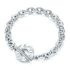 "Tiffany 1837™ toggle bracelet in sterling silver.// 8.5"" long"
