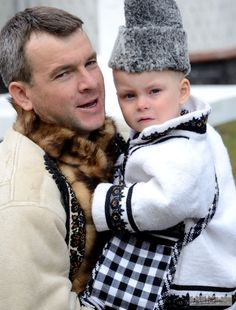 romanians man with child in traditional costume clothing, Bucovina Romanian Men, Secret Deals, The Beautiful Country, Cute Toddlers, Moldova, Ukraine, Winter Hats, Costumes, Traditional