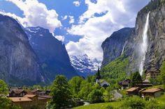 Mitten in den Schweizer Alpen versteckt sich der schönste Ort auf der ganzen Welt.   LikeMag