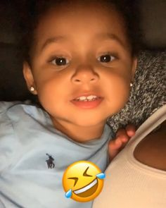 Her dad ring tone on my phone 😂😂 Aww so cute it's not even funny to me it's cute to me. Cute Mixed Babies, Cute Funny Babies, Cute Black Babies, Cute Little Baby, Cute Baby Girl, Pretty Baby, Cute Kids, Funny Baby Memes, Funny Video Memes