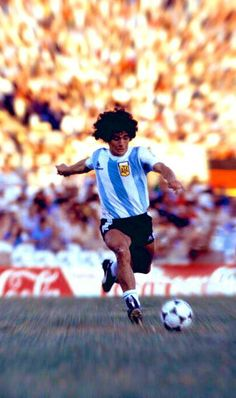 Diego Armando, Legends Football, Soccer, Sport Football, Victoria Justice, Best Player, Real Madrid, Running, Kenya