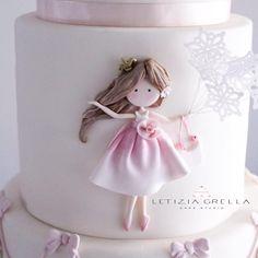 """518 Likes, 15 Comments - letizia grella (@letiziagrella) on Instagram: """"Dettagli Bambolina di zucchero da un disegno di @selene_conti_artist per le @lepiccolinedelcuore…"""""""