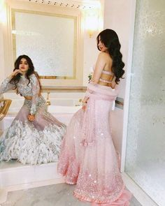 The world recently saw the Kapoor brothers Boney, Anil and Sanjay's sister's son, Akshay Marwah's wedding. Indian Wedding Outfits, Bridal Outfits, Indian Outfits, Indian Clothes, Emo Outfits, Lehenga Designs, Lengha Design, Indian Attire, Indian Ethnic Wear