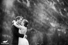 Hochzeit Lisa Alm Flachau – Lisa & Rob - Foto Sulzer Blog Lisa, Couple Photos, Couples, Pictures, Engagement, Glee, Pretty Pictures, Simple, Nice Asses