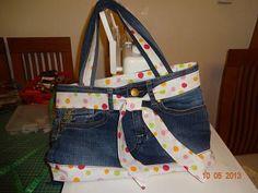 Kabelka - recyklácia. Zo starých džínsov nová taška.