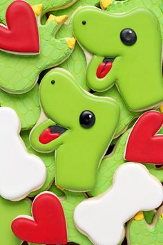 These fun dinosaur cookies are sugar cookies decorated with royal icing. You…