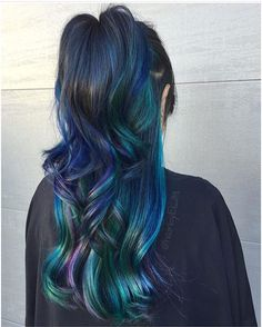 @hairbyelm from @efoxxhair is the artist... Pulp Riot is the paint.