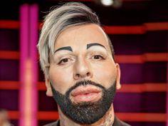 """Er wollte eigentlich auf Botox verzichten, nun hat sich Harald Glööckler doch wieder aufspritzen lassen. Den Grund dafür nennt er selbst. Harald Glööckler (52, """"Jede Frau ist eine Prinzessin"""") kann es doch nicht lassen. Der Modedesigner hat erneut einen Schönheitseingriff an sich..."""