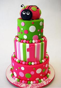 Birthday Ladybug Cake by Pink Cake Box in Denville, NJ. More photos and… Pretty Cakes, Cute Cakes, Beautiful Cakes, Amazing Cakes, Pastries Images, Pink Cake Box, First Birthday Cakes, Birthday Ideas, 31st Birthday