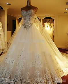 Bling Luxury A-Line Wedding Dress Bridal Gown Crystals Beaded Sequins Bodice Tulle Lace Satin Lining Cathedral Train Bandage Lace-Up Back