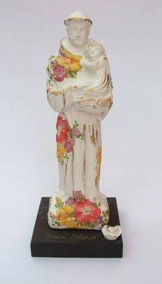Imagens de santo coloridos em gesso com pedestal e flores aplicadas.  Escolha sua imagem .... R$ 33,00
