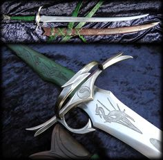 Fable Blades crafted Heron Marked sword, based on my imagining of the sword which Tam gave Rand after the raid on Emonds Field. From the Wheel of Time b. Sword of Tamlin al'Thor Fantasy Sword, Fantasy Weapons, Fantasy Blade, Anime Weapons, Swords And Daggers, Knives And Swords, Arte Ninja, Sword Design, Medieval Weapons