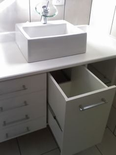 Gabinete com gavetão