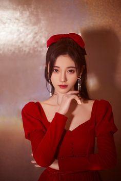 Fantasy Female Warrior, Fancy Makeup, Ulzzang Korean Girl, Digital Art Girl, Kpop Fashion Outfits, Girl Inspiration, Chinese Actress, Female Portrait, Girl Model