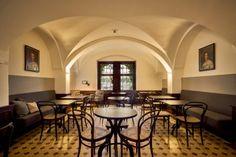 Das Café im Liebieghaus ist eine Institution in Frankfurt – seine charmante, persönliche Atmosphäre und die beliebten selbstgebackenen Kuchen, Tartes und Quiches machen seinen einzigartigen Charakter aus.