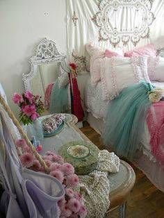 30 Shabby Chic Bedroom Decorating Ideas interior design 2