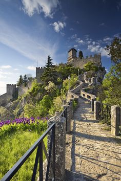 San Marino - Passeggiata verso il Castello di San Marino