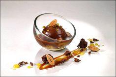 Caramel à tous les étages, et sans ascenseur ! ;) (From Food Design) L'art de dresser et présenter une assiette comme un chef de la gastronomie... http://www.facebook.com/VisionsGourmandes Ou sur le site pour profiter d'autres rubriques… http://visionsgourmandes.com . > Photo à aimer et à partager ! ;) #gastronomie #gastronomy #chef #presentation #presenter #decorer #plating #recette #food #dressage #assiette #artculinaire