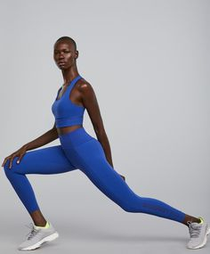 Oysho Sport - Leggings - Shapewear effect - Trends in women fashion Sporty Girls, Sporty Outfits, Sport Editorial, Sport Running, Sport Fashion, Womens Fashion, Fitness Photos, Leggings, Sport Wear
