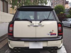 ≪No.0164≫  ・ニックネーム  直感男        ・メーカー名、車種、年式  BMW MINI COOPER S CLUBMAN 2008年式     ・アピールポイント  社会人になって初めて買った車ですが、2年前に大雨の中を走行中に水没(泣) 車屋からは買い替えを進められましたが、貼っていた世田谷ベースのステッカーが無駄になるのがどうしても諦めきれず、数百万かけて修理しました!