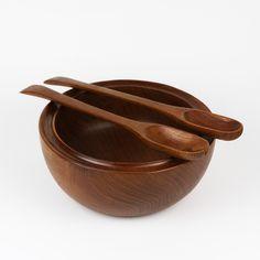 Drewniana duża misa z teku   łyżki