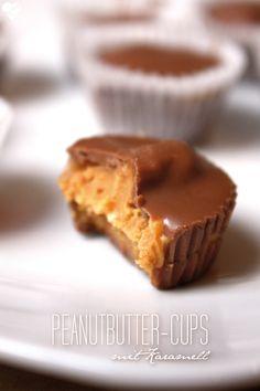 Peanutbutter-Cups mit Karamell *