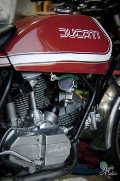 Ducati Custom Jump - Pipeburn - Purveyors of Classic Motorcycles, Cafe Racers & Custom motorbikes cafe racer Ducati Superbike, Moto Ducati, Ducati Cafe Racer, Ducati Motorcycles, Vintage Motorcycles, Cafe Racers, Street Motorcycles, Ducati Classic, Classic Motorcycle