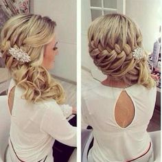 Love the braid style for wedding hair