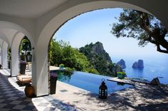 I liked this apartment in Capri, Italy