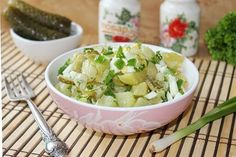Zemiakovy salat so zelenou cibulkou. Potato Salad, Salads, Potatoes, Ethnic Recipes, Food, Potato, Essen, Meals, Yemek