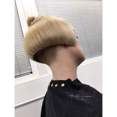 Excellent hairstyles women tips are readily available on our web pages. look at this and you will not be sorry you did. Messy Bob Hairstyles, Edgy Haircuts, Short Bob Haircuts, Undercut Hairstyles, Haircut Bob, Shaved Bob, Shaved Undercut, Shaved Nape, Shaved Sides