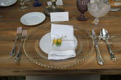 Amalfi wedding, napkin with lemon and touch of gold