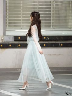 Luna Fashion, Kpop Fashion, Korean Fashion, Girl Fashion, Iu Hair, Kpop Hair, Chica Cool, Wild Girl, Korean Celebrities