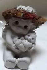 Angel Figurine Cast Art Handcrafted Dreamsicles Rock-A-Bye 1995 - 2-1/2