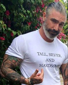 """""""What is it about silver foxes that makes them so attractive? Is it because they look mature or stable? Or is it because they just get better with age? Sexy Bart, Silver Foxes Men, Silver Man, Fox Man, Beard Love, Beard Tattoo, Moustaches, Mature Men, Attractive Men"""