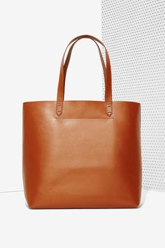 Leather Tote Bag ==