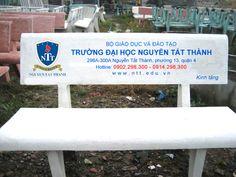 Ghế đá đại học Nguyễn Tất Thành