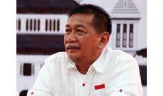 Deddy Mizwar merupakan aktor senior Indonesia dan saat ini menjabat sebagai Wakil Gubernur Jawa Barat